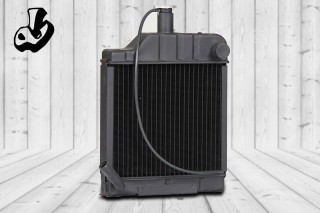 RADIATOR ASSY.  SIZE: 14 x 14.9 (5 ROW)  OEM: MILLAT TRACTOR  Loads Code = 3306-002  VEHICLE: MF- 350 TRACTOR